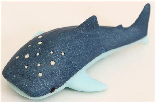 Goma de borrar pez azul tiburón ballena de iwako